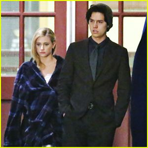 VIDEO: Cole Sprouse Dishes on Jughead & Archie's Friendship in New 'Riverdale' Promo