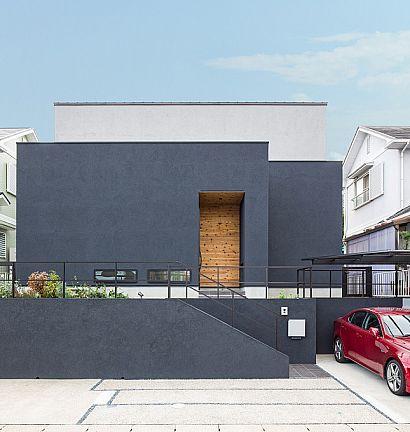 ブラックメタルと天然木を生かしたシンプルモダンの家 施工実例 愛知