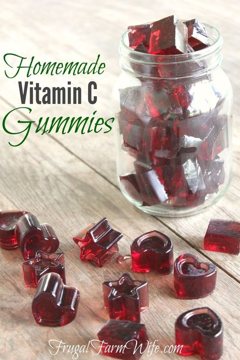 Homemade Vitamin C Gummies. I can give my kids chewable vitamins without a boatload of sugar! Homemade Vitamin C Gummies. I can give my kids chewable vitamins without a boatload of sugar! Healthy Treats, Healthy Kids, Healthy Recipes, Healthy Candy, Vitamin C Gummies, Vitamin C Foods, Homemade Gummies, Homemade Gummy Bears, Chewable Vitamins