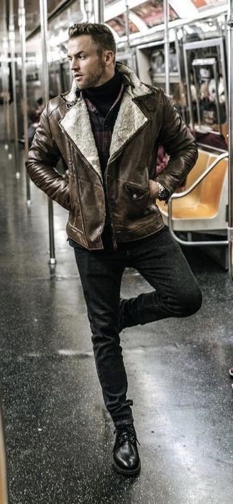 Fall Fashion Combo Inspiration With A Brown Leather Shearling Lined Jacket Black Turtleneck Sweater Hipster Mens Fashion Mens Winter Fashion Mens Fashion Urban