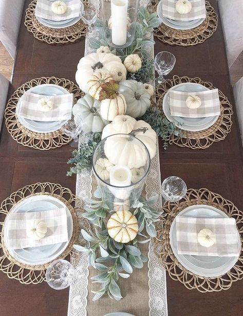 Best neutral fall decor ideas for your home - Willow Bloom Home - - I have rounded up the best neutral fall decor ideas for your home. From front porch ideas to tablescapes and mantle decor, plus a fall decor cheat sheet. Thanksgiving Table Settings, Thanksgiving Decorations, Seasonal Decor, Fall Table Decorations, Fall Table Settings, Thanksgiving Tablescapes, Fall Table Centerpieces, Fall Wedding Table Decor, Rustic Thanksgiving