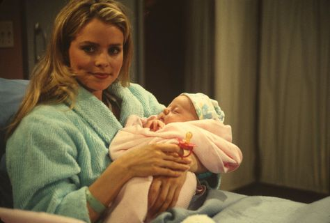 Felicia (Kristina Wagner) gave birth to daughter Georgie under the table at Luke's, on March 6, 1995. - 1990s #GH50