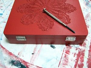 Doily cigar box