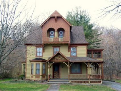 28 New Ideas House Decor Victorian Bay Windows House Victorian Homes Old Victorian Homes Victorian Windows