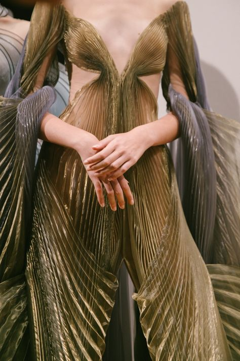 Youth and pop culture provocateurs since Fearless fashion, music, art, film, politics and ideas from today's bleeding edge. Couture Fashion, Runway Fashion, High Fashion, Fashion Show, Fashion Fashion, Space Fashion, Iris Van Herpen, Christian Dior Couture, Pretty Dresses