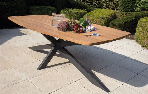 Der Gartentisch Aras Uberzeugt Durch Sein Elegantes Design Hier