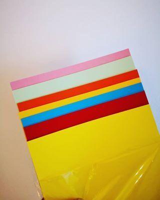 33++ Manualidades con folios de colores ideas