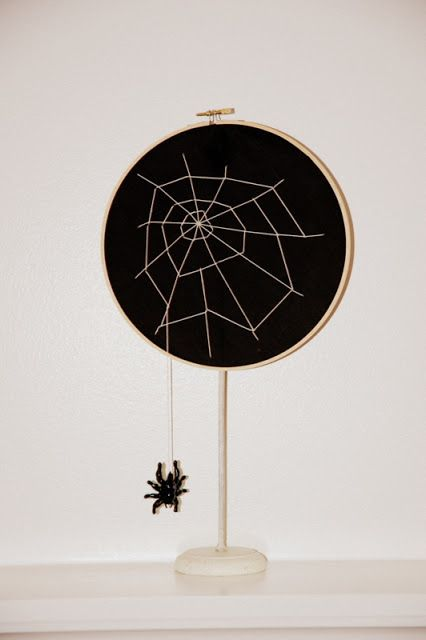 restlessrisa: Embriodery Hoop Spider Web and Studio 5 Chic Halloween, Halloween Crafts, Farmhouse Halloween, Levitation Photography, Abstract Photography, Macro Photography, Experimental Photography, Photography Tricks, Homemade Halloween Decorations