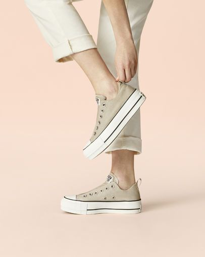 Chuck Taylor All Star Cali Mood Platform Low Top Light