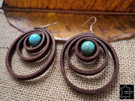 Leder Ohrringe mit türkisfarbenen Perlen elegant