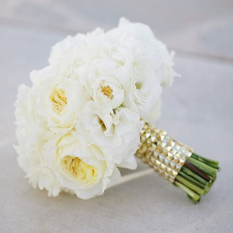 White wedding bouquet | photo by Joielala  | 100 Layer Cake