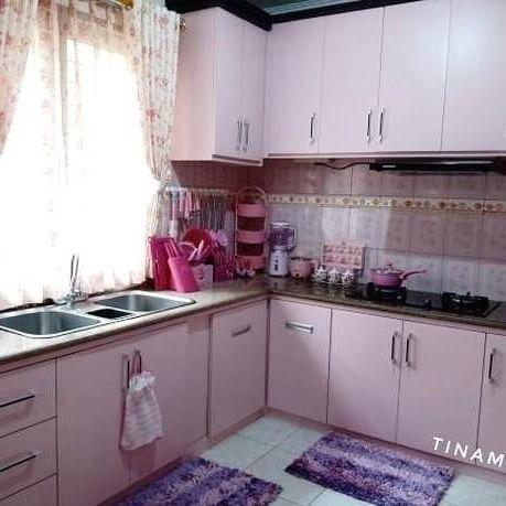 desain dapur minimalis warna pink desain interior jakarta