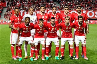 Benfica initial team during the match between SL Benfica and Estoril Praia SAD for the Portuguese Cup semi finals second leg at Estadio da Luz on April 05, 2017 in Lisbon, Portugal.