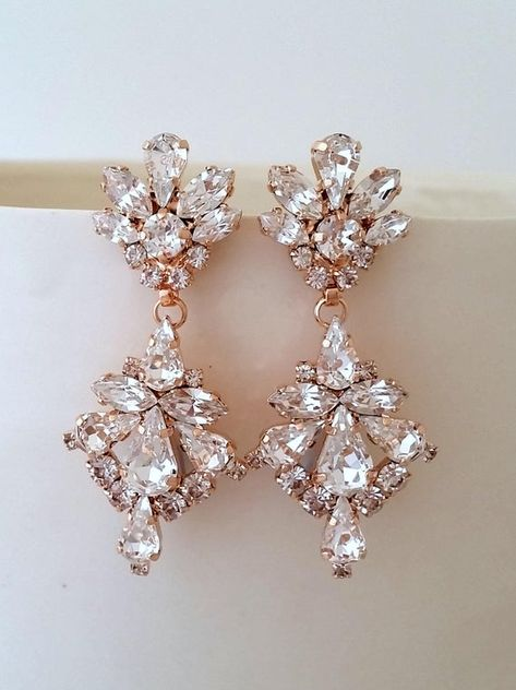 #weddings #jewelry #earrings #bridesmaidgift #bridalearrings #vintageearrings #bridesmaidsearrings #bridalwedding #swarovskiearrings #crystalearrings #bridalcrystal #gatsyearrings #chandelierearrings #bridesearrings #bridaljewelry #rosegoldearrings