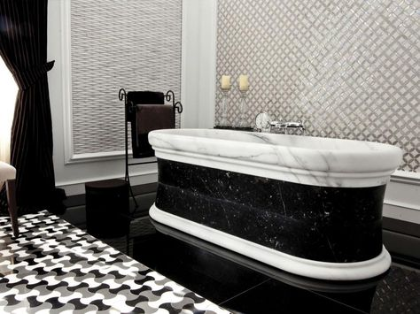 bathrooms with black \ white decor - Google Search Bathroom - badezimmer fliesen amp ouml sterreich