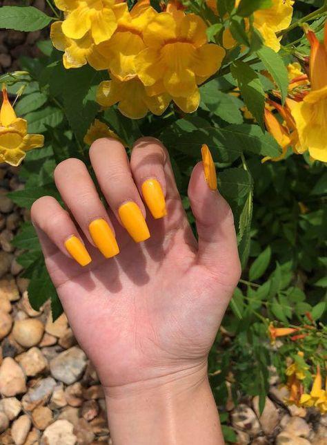 76 Stunning Yellow Acrylic Nail Art Designs For Summer