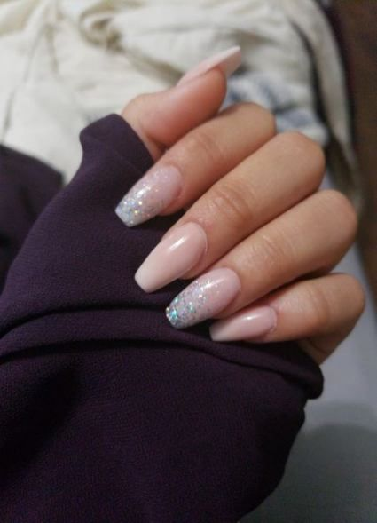 Trendy Nails Pink And White Glitter Ring Finger 22 Ideas In 2020 Gel Nails French Glitter Nails Acrylic Pink Nails