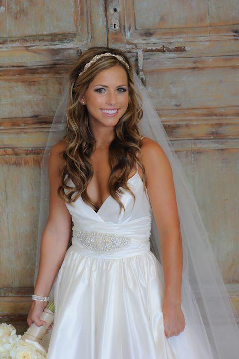 Such A Pretty Hair Half Up Look With Headband And Natural Wedding Makeup I D Probably Need T Bridal Hair Down Wedding Hairstyles For Long Hair Veil Hairstyles