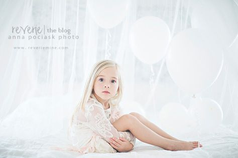 New Showcase on the Reverie Blog: The Birthday Balloons by Anna Pociask Photography: http://reveriemine.com/showcase-birthday-balloons/