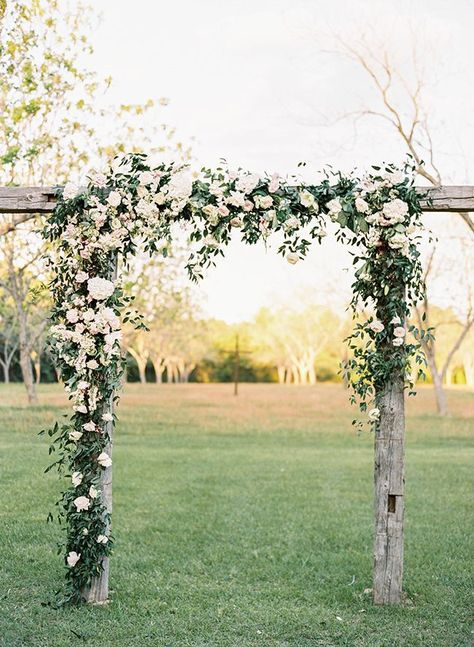 Portfolio Diy Flower Arch With Beautiful Hanging Flowers By Top Texas Wedding Photographer Hannah Mayson Farm Wedding, Rustic Wedding, Wedding Set, Boho Wedding, Wedding Parties, Wedding Couples, Elegant Backyard Wedding, Pallet Wedding, Backyard Weddings