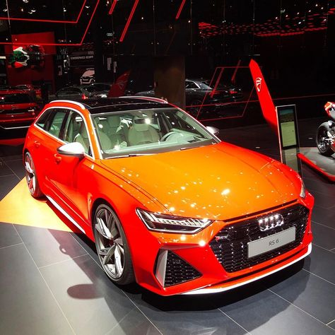While we're not anticipating the Audi RS6 Avant to usher in a wagon resurgence in the U.S. –– a made-to-order 591 hp vehicle costing in excess of $100,000 –– we like to see it all the same.⠀ ⠀ ⠀ ⠀ ⠀ ⠀ #audi #rs6 #audiars6 #rs6perfromance #audilove #audilover #audiloverr #audilovers #audilife #audilifestyle #audination #audiracing #iaa #frankfurtmotorshow #frankfurtautoshow #frankfurt #iaa2019 #iaa19⠀