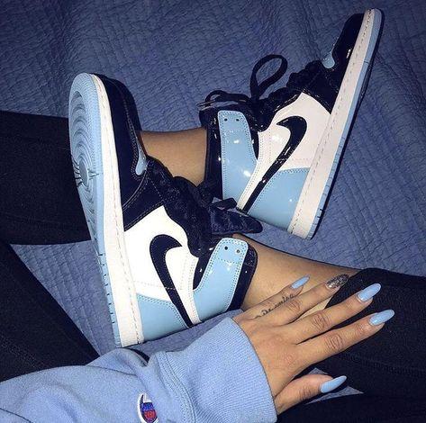 Monday blues - #sneakersfashion