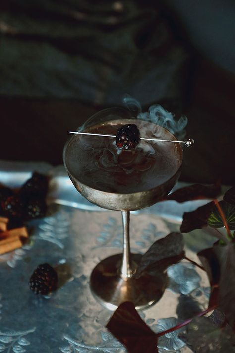 Smoke and Bramble cocktail recipe for Halloween by @drinkwchickens Dark, black cocktail with smoke. #halloween #cocktail #cocktailrecipe #halloweencocktail