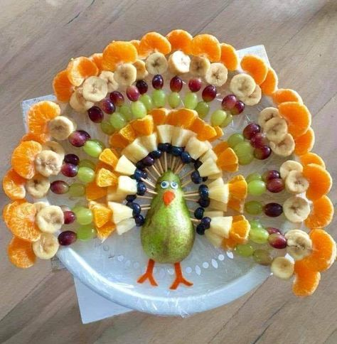 "Plant based thanksgiving fruit Plant based fruit ""turkey "" for Thanksgiving Fruit Turkey, Turkey Fruit Platter, Fruit Plate, Turkey Veggie Tray, Cheese Turkey, Turkey Food, Fruit Trays, Thanksgiving Snacks, Happy Thanksgiving"