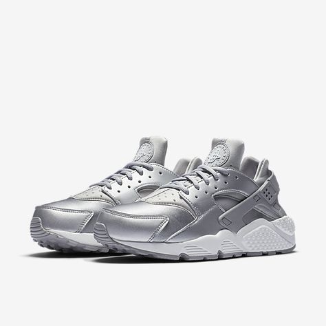 Acquista scarpe, abbigliamento e accessori Nike su nike
