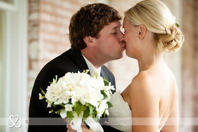 The i come 90 you come 10 kiss most awkward wedding kisses most awkward wedding kisses page 4 of 6 boredbug most awkward wedding kisses pinterest wedding kiss and weddings junglespirit Image collections
