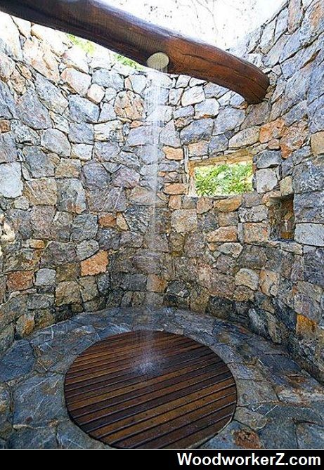 Cool Outdoor Shower ! More Woodworking Projects on www.woodworkerz.com