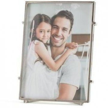 This Picture Frame Boasts Of An Endless List Of Qualities Which Double Up As Valid Reasons For You To In 2020 Handmade Picture Frames Picture Frame Sets Picture Frames