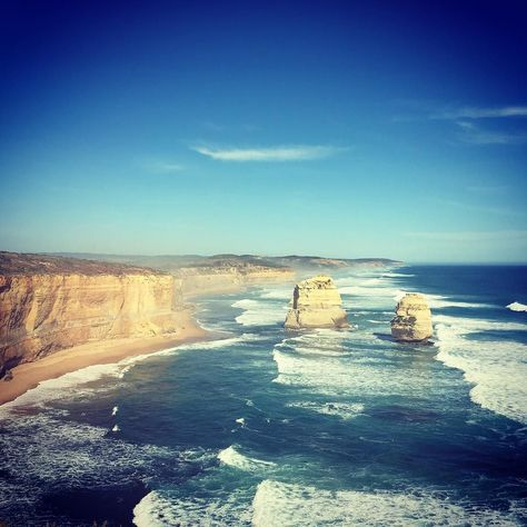 Nature's best piece of art in the southern hemisphere!  #greatoceanroad #thetwelveapostles #australia by rileyps13
