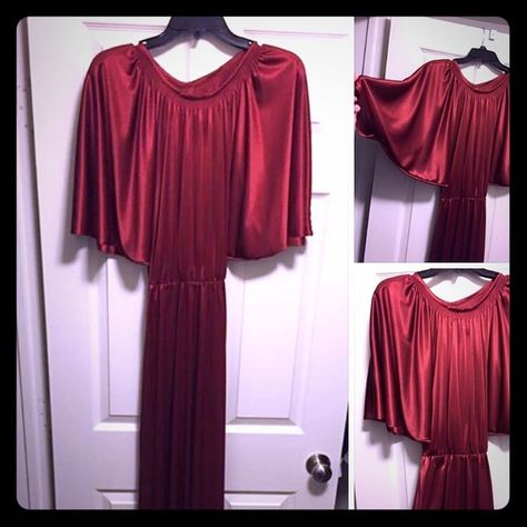 Satin Vintage gown: size 4 Sexy Classic Elegant satin gown. Floor length in a deep red color. Fly away sleeves add a vintage charm to this gorgeous look. Size 4. In excellent condition. $75 Dresses Asymmetrical