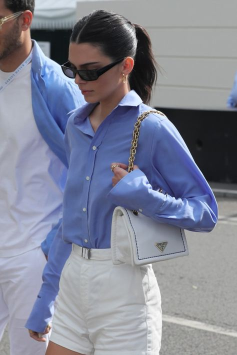 Kendall Jenner Style 319755642296949119 - Source by maudvildier Outfit Chic, Outfit Jeans, Looks Chic, Looks Style, Estilo Jenner, Look Fashion, Fashion Outfits, Prada Outfits, Woman Outfits
