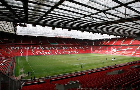 Manchester United S Hallowed Ground Is Justifiably Legendary With A Massive Capacity 76 000 And An Electric Feel With Images Old Trafford 2015 Rugby World Cup Soccer