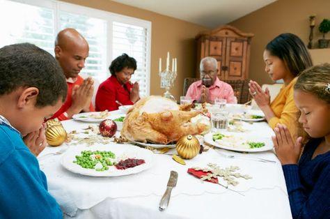 En Navidad: recogimiento y oración en familia Un buen momento para volver a lo esencial