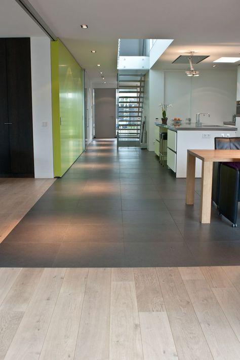 Schöner Boden zwischen Flur und Küche\/Wohnzimmer viel Glas, um - bodenfliesen f r k che