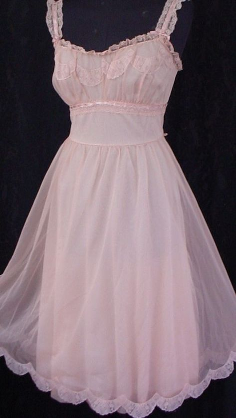 So pretty for any age! Girly Outfits, Pretty Outfits, Pretty Dresses, Vintage Outfits, Cute Outfits, Vintage Fashion, Princess Outfits, Kawaii Fashion, Cute Fashion