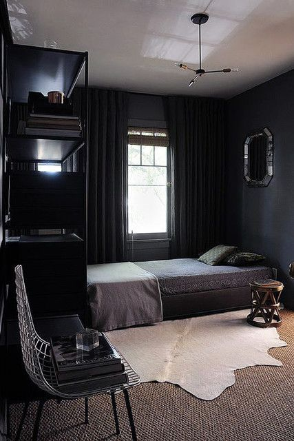 This Bedroom Feels Incredibly Elegant And The Look Can Be Achieved Rather Simply Velvet And Linen Bedd Cozy Small Bedrooms Bedroom Interior Small Room Design
