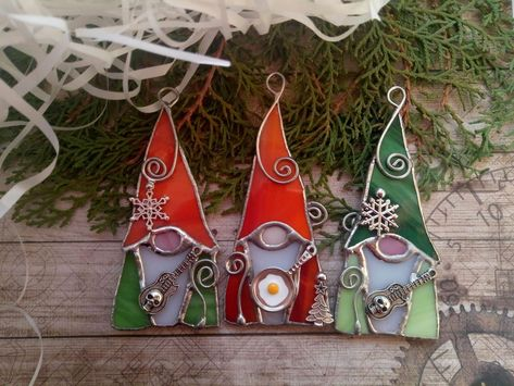 Stained Glass Tattoo, Stained Glass Cookies, Stained Glass Ornaments, Stained Glass Birds, Stained Glass Christmas, Stained Glass Suncatchers, Faux Stained Glass, Stained Glass Designs, Stained Glass Projects