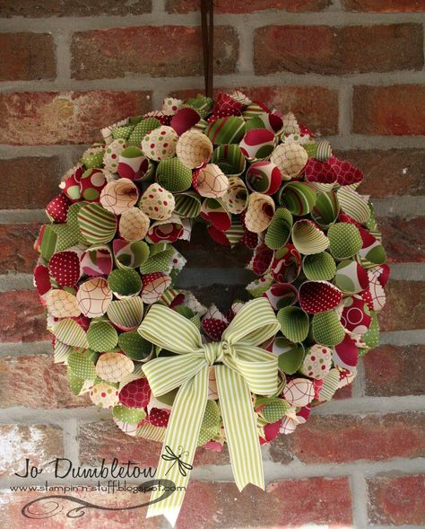 Stampin 'n Stuff: Christmas Paper Wreath