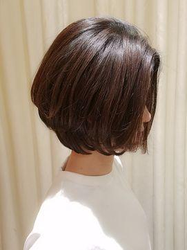 Virgo 30代40代ママさん 女性らしいゆるふわ質感の大人ボブ Virgo ウィルゴ をご紹介 2018年春の最新ヘア スタイルを300万点以上掲載 ミディアム ショート ボブなど豊富な条件でヘアスタイル 髪型 アレンジをチェック ヘアスタイル 髪型 ヘアスタイル ボブ
