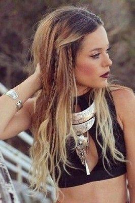 Unique Hippie Frisur Mit Haarband Hippie Hair Bohemian Hairstyles Hair Styles
