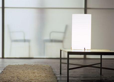 Lampe A Poser Decorative En Verre Blanc Ou Transparent Cpl Par Prandina Lampe De Table Design Lampes De Table Luminaire Design