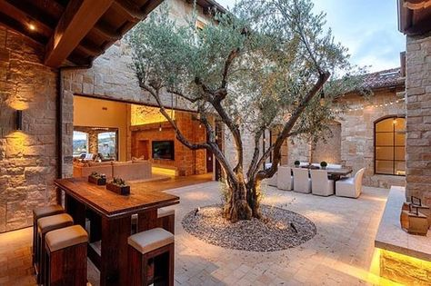 Maison ~patio ~sol pavé