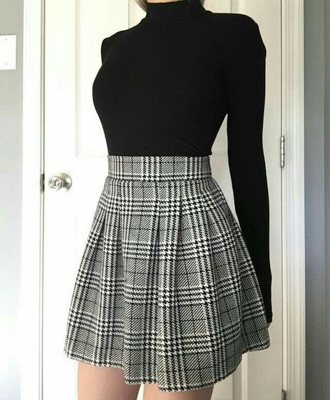 Cute Casual Outfits, Girly Outfits, Mode Outfits, Stylish Outfits, Casual Dresses, Korean Skirt Outfits, Grey Skirt Outfits, Korean Outfits Cute, Pleated Skirt Outfit Short