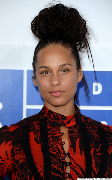 Top quotes by Alicia Keys-https://s-media-cache-ak0.pinimg.com/474x/37/08/e2/3708e2c83133a315308b5fc9ff27f3ef.jpg
