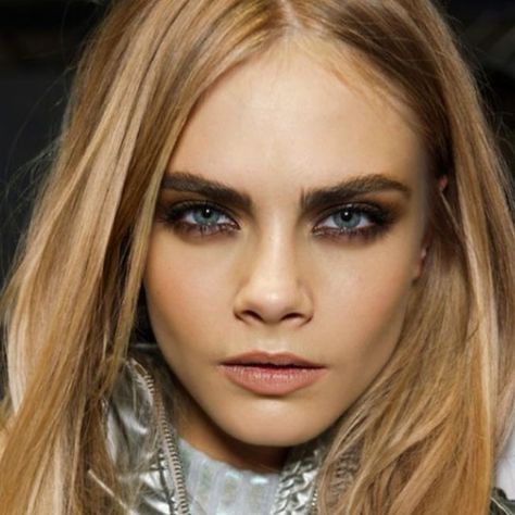 rock a smoky eye a la Cara Delevingne.