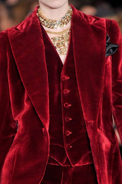 Red velvet suit, Ralph Lauren New York Fashion Week Fall 2012 New York Fashion, Red Fashion, Fashion Week, Runway Fashion, High Fashion, Womens Fashion, Fashion Quiz, Fashion Glamour, Velvet Fashion